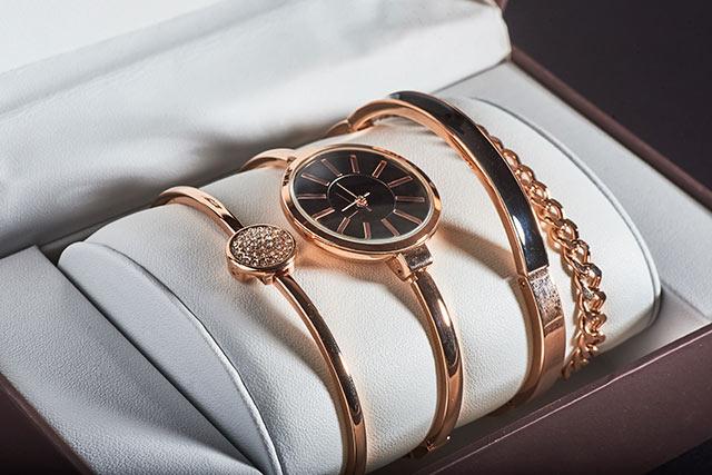 女性が喜ぶ腕時計
