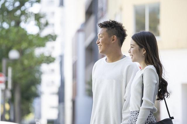 結婚の挨拶の場に持参する手土産の選び方と配慮するポイント