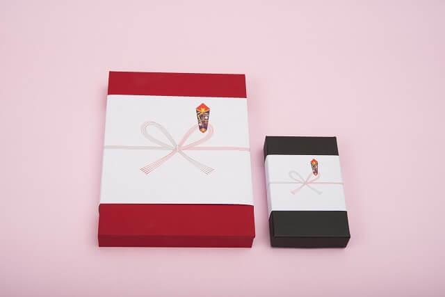 結婚の挨拶に持参する手土産の包装紙やのし熨斗のマナー