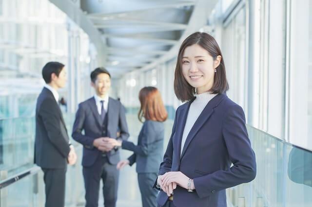 結婚式なし入籍のみの職場、取引先、友人、親戚への結婚報告