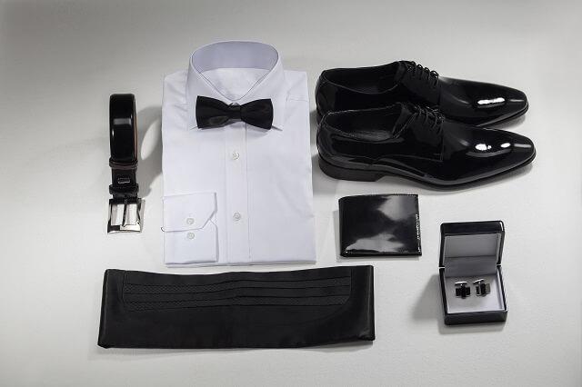 男性ゲスト必読!結婚式や二次会で必要な持ち物リストとバッグのマナー