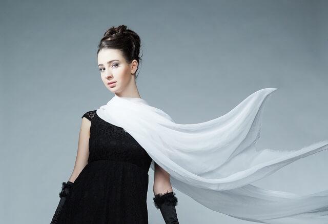 冬の結婚式でお呼ばれドレスの羽織もの