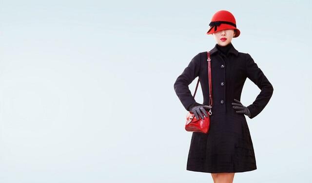 結婚式や二次会行き帰りでドレスやワンピースの上に着用する冬用レディースコート