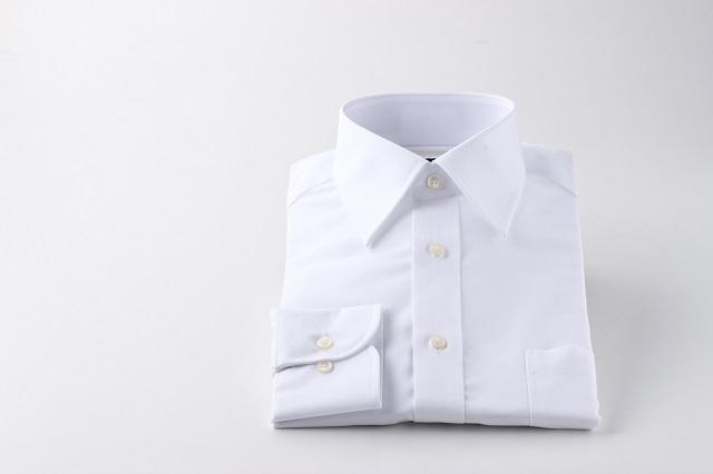 結婚式の男性の服装に適したシャツのマナー