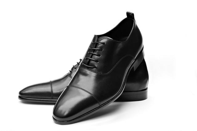 結婚式の男性の服装に適した靴のマナー