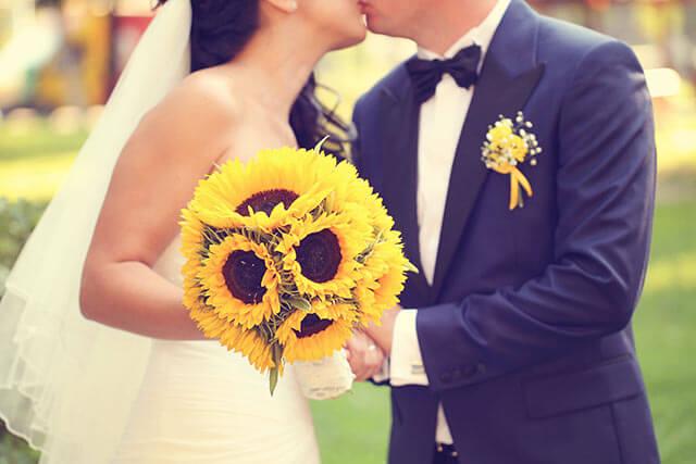 結婚式で使うひまわりの装飾アイデア
