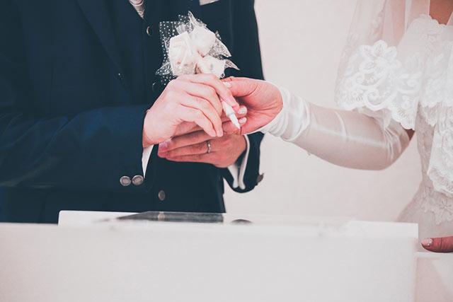 婚姻届けを保存する