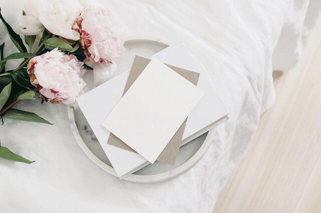 結婚祝いのメッセージカードでメッセージを書く内容と位置