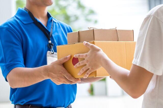 結婚祝いをいつ贈るか。郵送や配送する際のタイミングとマナー