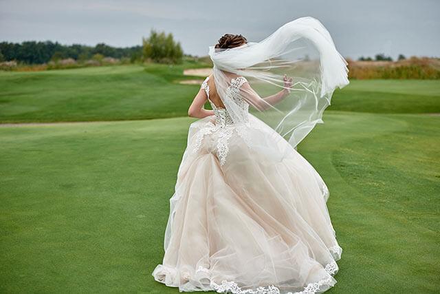 ガーデンウェディングのドレス